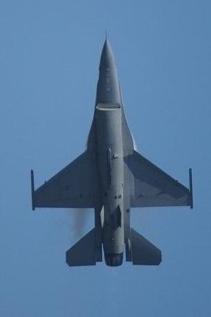 F-16シルエット比較.jpg
